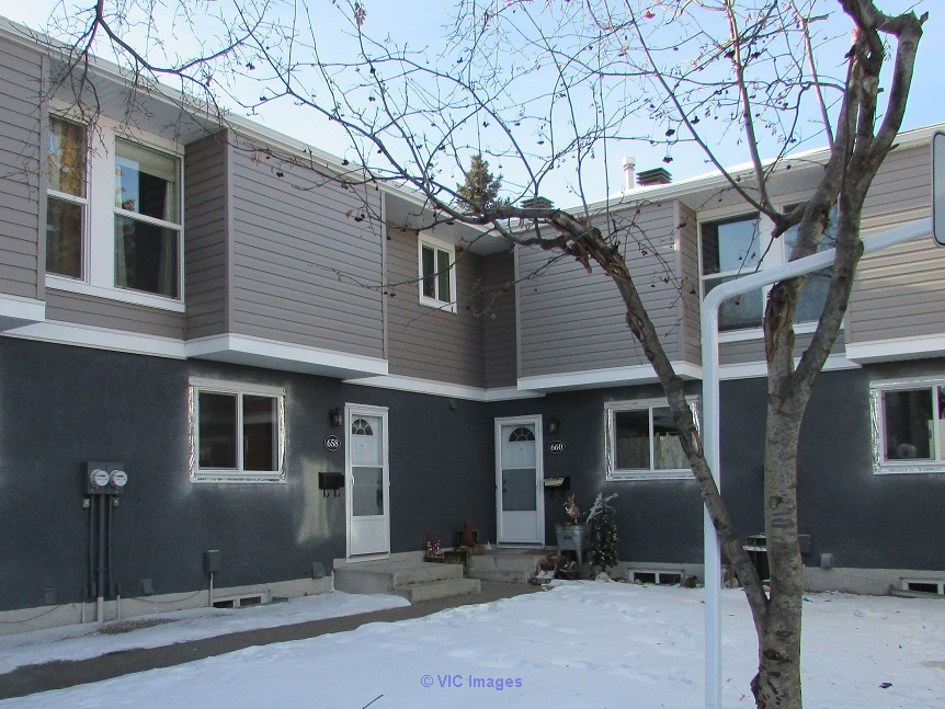 1044 sq ft townhome in Millwoods backing greenspace - only $210,000!! Edmonton, Alberta, Canada Classifieds