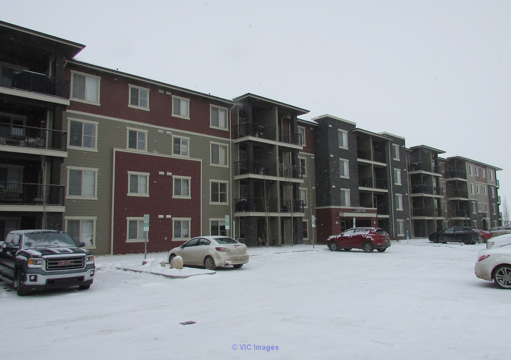 Newer north end condo for only $230,000! 2 beds, 2 baths, all upgrades Edmonton, Alberta, Canada Classifieds
