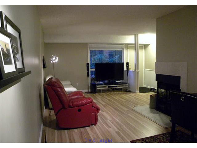 $199,700. 1102 sq ft, 2 bed + den, 1 bath condo. Southwest Edmonton edmonton